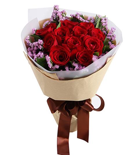 11枝红玫瑰搭配适量勿忘我
