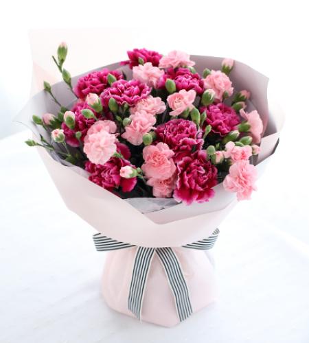 母爱-紫红色康乃馨9枝,粉色多头康乃馨7枝