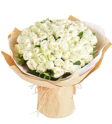 初心永不变-白玫瑰99枝,栀子叶适量