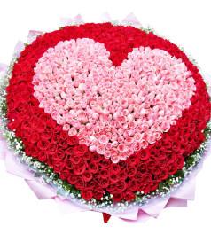 心的唯一-999枝玫瑰(红、粉玫瑰),外围满天星、栀子