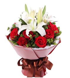 缘份-11枝红玫瑰,2枝多头白香水百合