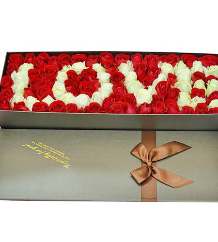 真心真意-99朵玫瑰花白色LOVE造型