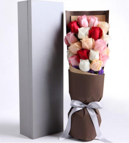 情不自禁-3枝红玫瑰,6枝粉玫瑰,5枝香槟玫瑰,5枝白色玫瑰礼盒