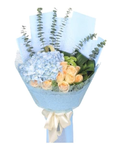 11枝香槟玫瑰,1枝蓝绣球1-1