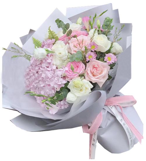 11枝各色玫瑰,1枝粉绣球1-2